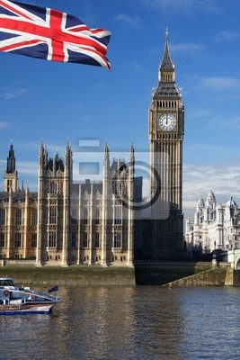 Big Ben mit Flagge von England, London, UK