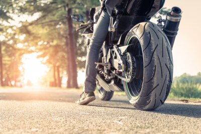 Poster Biker und Motorrad fahrbereit