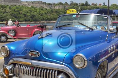 Blau Taxi in Havanna, Kuba