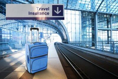 Poster Blauer Koffer am Bahnhof