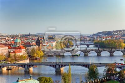 Blick auf Prag Brücken bei Sonnenuntergang