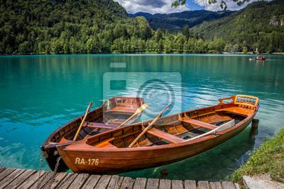 Boote an der Pier der Insel Bled, Bled See, Slowenien.