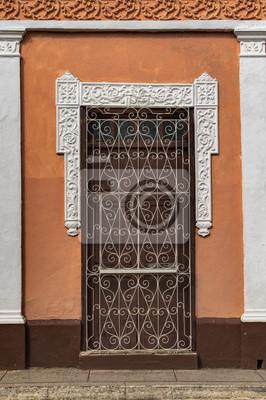 Braun Tür eines kolonialen Haus in Trinidad, Kuba