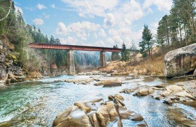 Poster Brücke auf dem Berg-Fluss