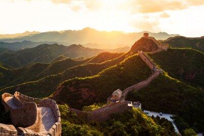 Poster Chinesische Mauer unter Sonnenschein bei Sonnenuntergang