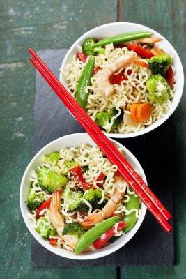 Poster Chinesische Nudeln mit Gemüse und Garnelen