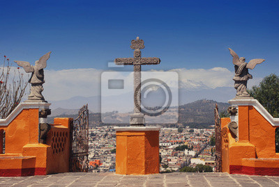 Cholula Pyramide in Puebla, Mexiko. Stadt und Vulkan Popocatepetl