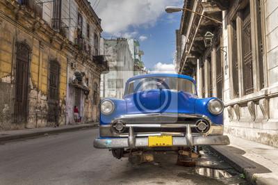 Classic American Auto ohne Räder in Alt-Havanna, Kuba geparkt