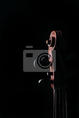 Detail der alten Geige auf dunklem Hintergrund