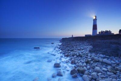 Poster Die Portland Bill Leuchtturm in Dorset, England in der Nacht