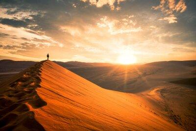 Poster Dramatic sunrise in the Namibian desert