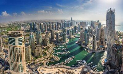 Poster DUBAI, UAE - Oktober 10: Moderne Gebäude in Dubai Marina, Dubai
