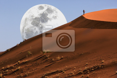 Poster Düne, die in der Namibischen Wüste bei Sossusvlei in Namibia geht