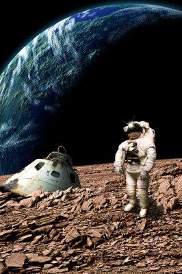 Poster Ein gestrandeter Astronaut untersucht seine Situation - Elemente dieses Bildes von der NASA eingerichtet.