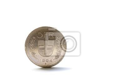 Einzel fünf Schweizer Franken-Münze auf weißem Hintergrund