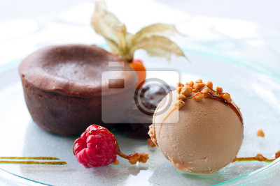 Eis und heiße Schokolade coulant Dessert.