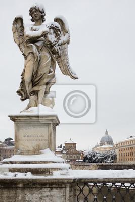 Engel mit Dornenkrone auf Sant Angelo Brücke, Rom (Italien).