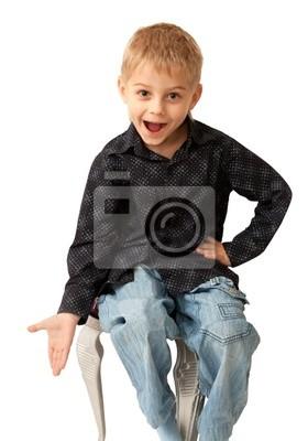 Erstaunlich vier Jahre alter Junge emotional zu fragen. Isoliert auf weiß
