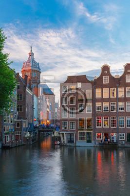 Evening Blick auf Amsterdam-Kanal, Kirche und Brücke Stadt