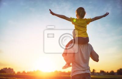Poster Familie bei Sonnenuntergang