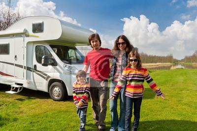Familienurlaub auf dem Campingplatz, Wohnmobil (RV) Urlaubsreise mit Kindern