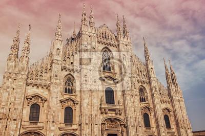 Fassade des berühmten Kathedrale Duomo, Mailand, Italien