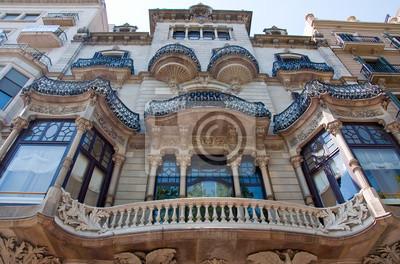 Fassade des Gebäudes am Passeig de Gràcia. Barcelona.