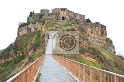 "Fußweg zur ""Civita di Bagnoregio"", Italien."