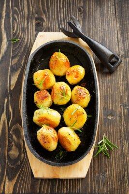 Poster Gebackene Kartoffeln mit Rosmarin.
