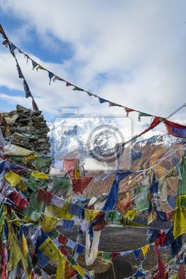 Gebetsfahnen auf Himalaya-Gipfel