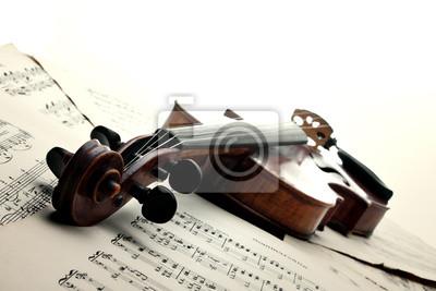 Geige auf Noten. Vintage-Stil.