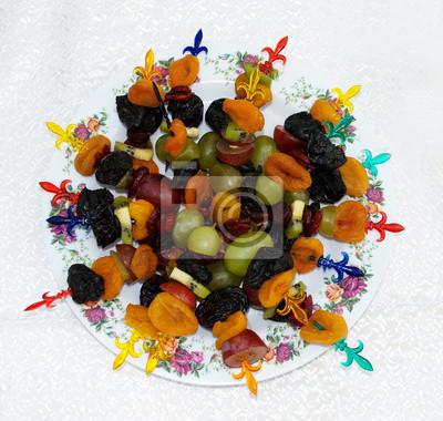 Getrocknete Früchte mit Wein