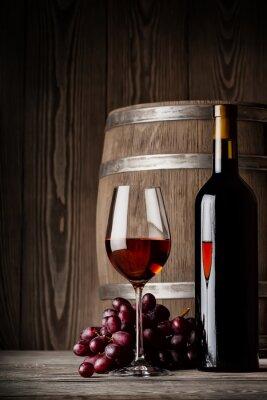 Poster Glas Rotwein mit Flasche und Fass-stehendes
