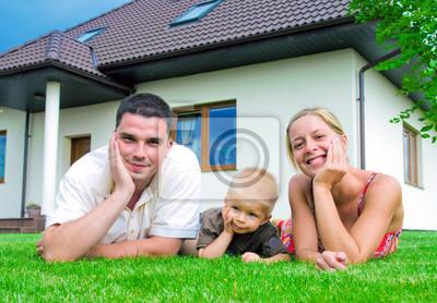 Glückliche Familie und Haus