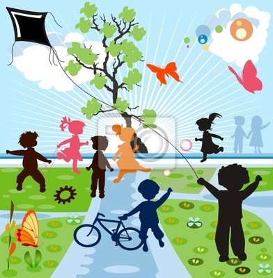 glückliche Kinder Silhouetten spielen in einer parck