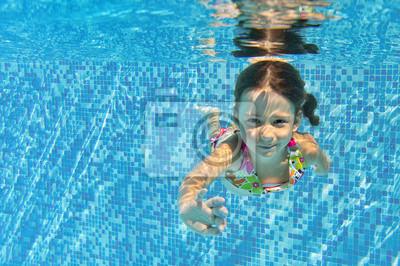 Glückliche Unterwasser Kind im Schwimmbad, Kinder sport