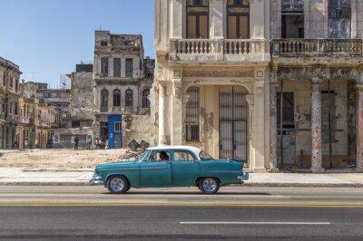 Grüne Oldtimer in Havanna, Kuba