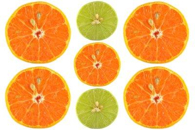 Poster Hälften von Orange und Limette auf weißem Hintergrund
