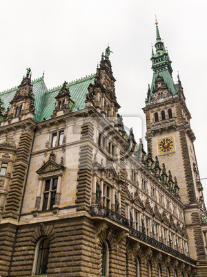 Hamburg, Deutschland. Blick auf das Rathaus, bedeckt Wintertag