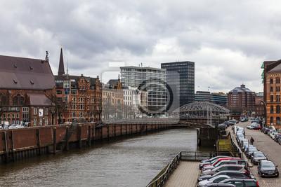 Hamburg, Deutschland. Blick auf den Kanal und alten Gebäuden