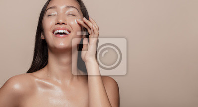 Poster Happy with her beauty regime