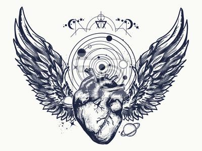 Herz und flügel im weltraum tattoo. anatomische herz- und ...