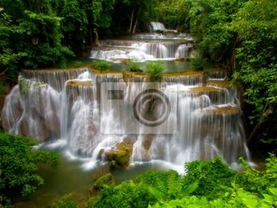 Huay Mae Khamin Wasserfall, Wasserfall im tiefen Dschungel von Thailand