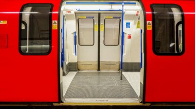 Poster Innenansicht der Londoner U-Bahn, U-Bahnstation