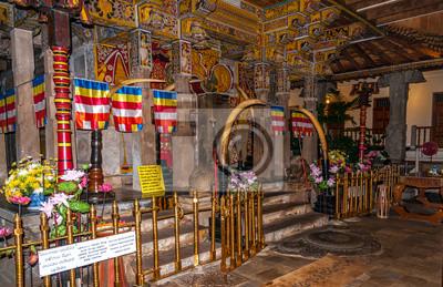 Inside in Kandy Tempel