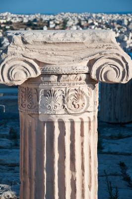Ionischen Kapitell auf der Akropolis von Athen, Griechenland.