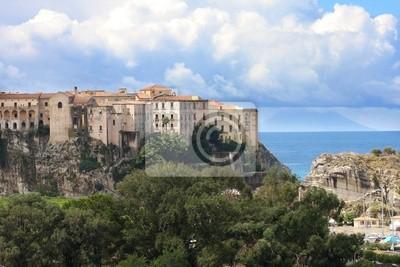 Italien, Kalabrien, Tropea Altstadt auf dem Felsen