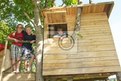 Poster Jugendliche im Baumhaus