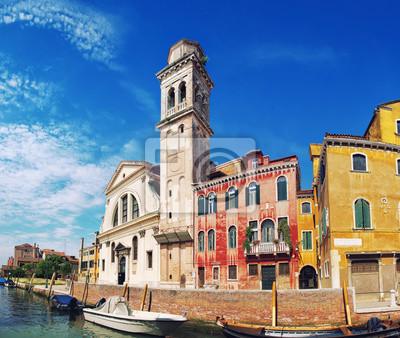 Kanäle und bunte Gebäude in Venedig, Italien