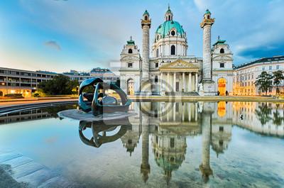 Karlskirche in Wien, Österreich bei Sonnenaufgang